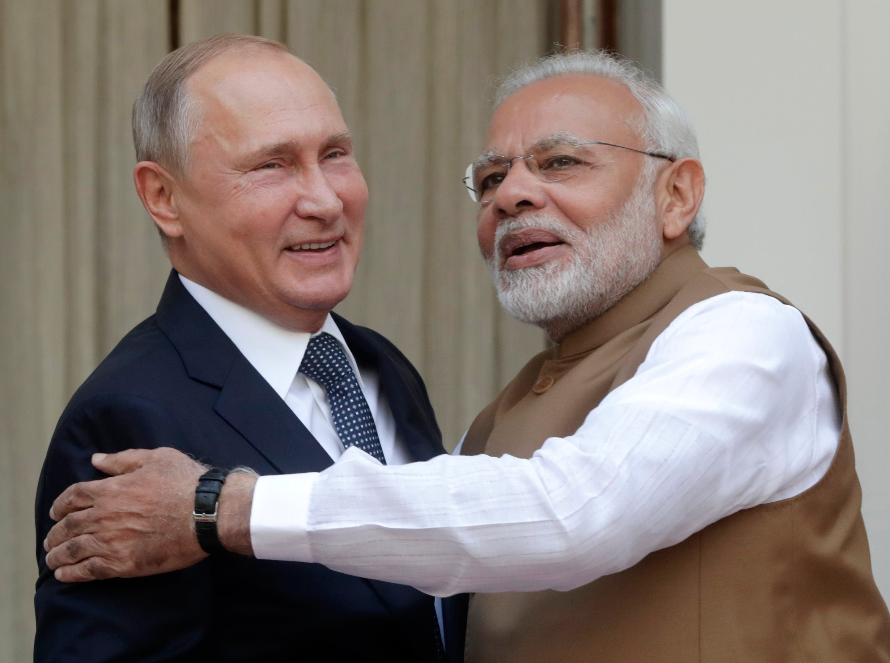 Russian President Vladimir Putin (L) and Indian Prime Minister Narendra Modi (R) meet at Hyderabad House in New Delhi, India, 05 October 2018