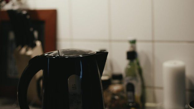 A kettle on a kitchen surface