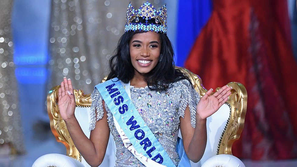 Toni-Ann Singh with the Miss World crown on
