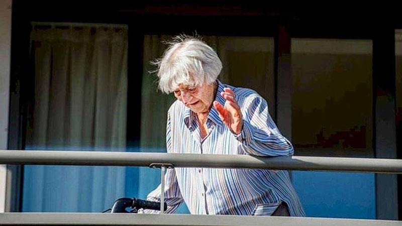โควิด: คุณยายชาวดัตช์วัย 107 ปี