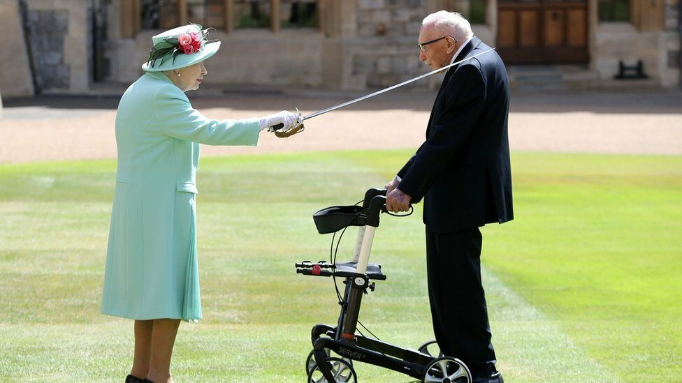 The Queen and Capt Tom Moore