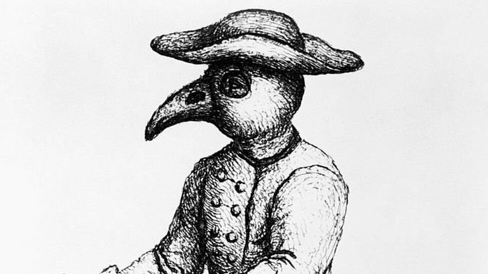 Plague doctor wearing birdish outfit