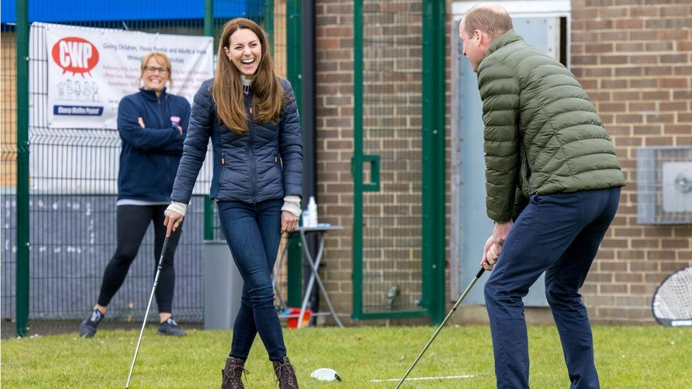 William and Kate playing golf on 27 April 2021
