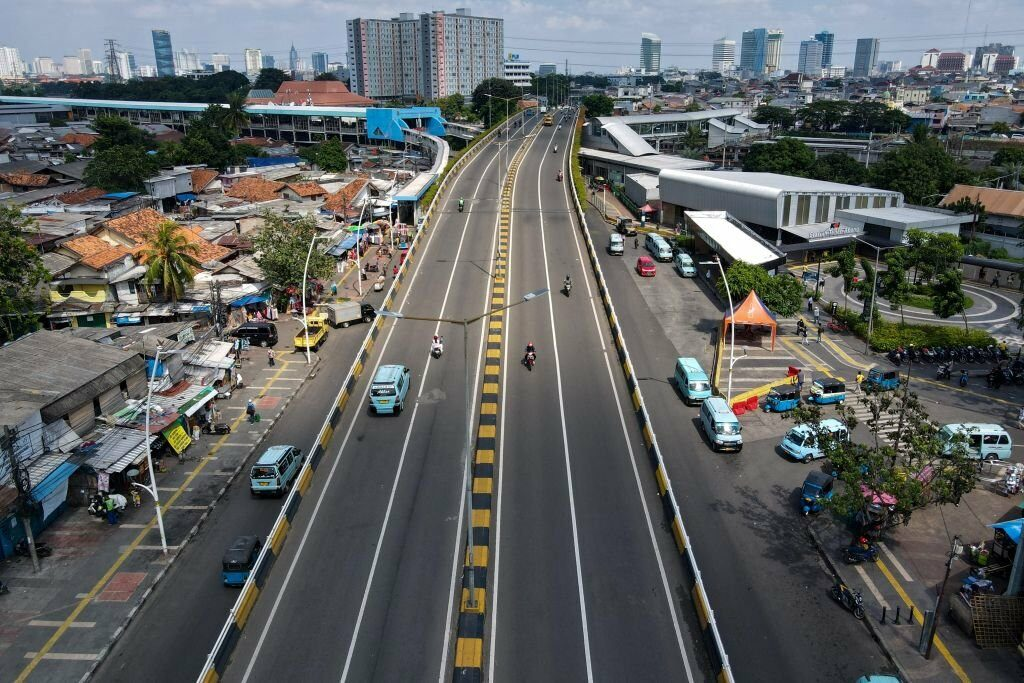 Roads of Jakarta remain deserted even before the lockdown is implemented