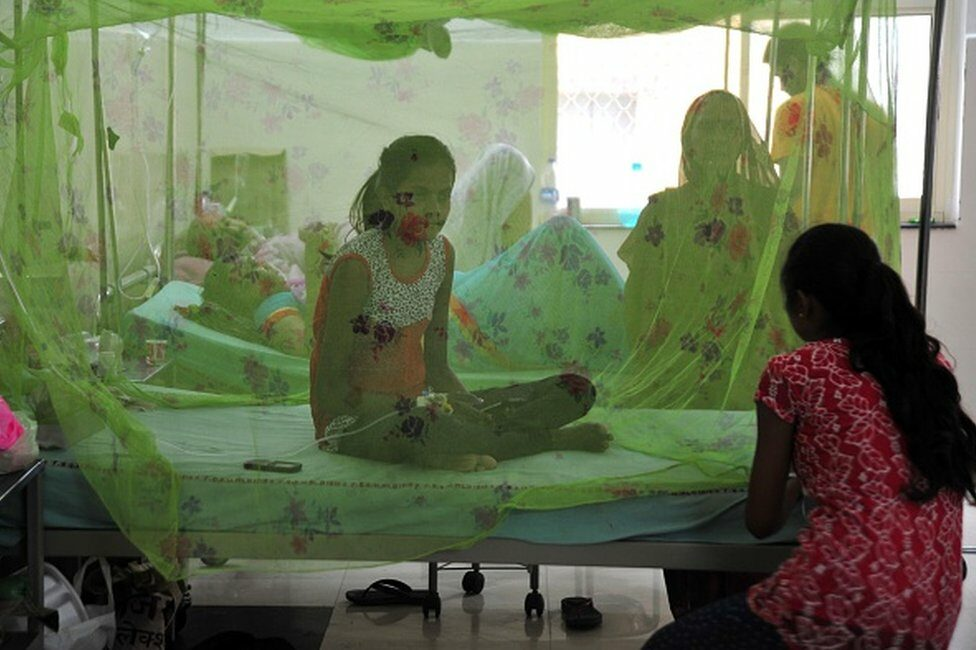 2016/09/22: Patient suffering from Dengue being treated at Tej bahadur Sapru hospital (District Hospital) in Allahabad